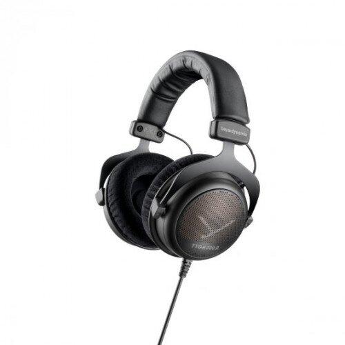 beyerdynamic TYGR 300 R Gaming Headphones